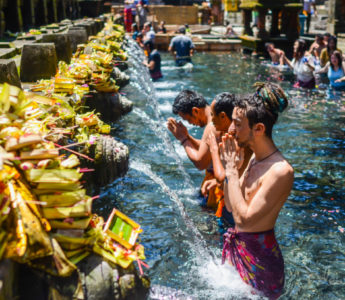 Tirta Empul Gimbal Bali